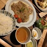 cafe double - 三元豚の生姜焼き定食1400円