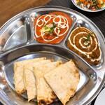 インドレストラン ソフィアマハル - ベジタブルカレー・バターチキンカレー・チーズナン