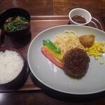 カフェ ヨシミ - 牛ハンバーグプレート