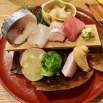 142150749 - お造り三種・鯖寿司・珍味 五種盛り合わせ