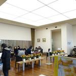 六花亭 - カフェコーナーは大行列