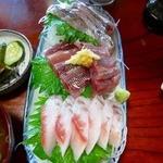 さかな - 地魚刺身 金目、鰺、潤目鰯