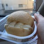 ランベリー - 料理写真:クリームパン