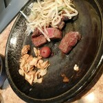 Rokkakudou - ガーリックチップ、もやし、ヒレステーキ、梅干し