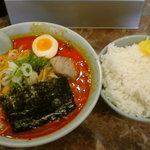 ラーメン小太郎 - 激辛味噌+大ライス