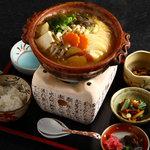 京都大原の味噌鍋専門店 雲井茶屋 - 一人用のお鍋です。