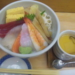 築地寿司岩 三越本石町店 - 上々!海鮮丼680円!