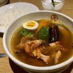 142213132 - タンドリーチキンと野菜のカレー