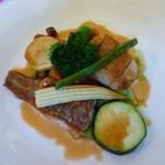 Chezやまのべ - ランチ:魚料理(イトヨリとイサキのポワレの盛り合わせ)