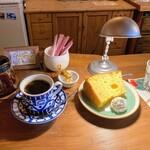 142230043 - 珈琲&シフォンケーキ