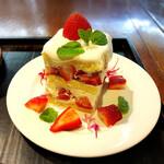 カフェ叶匠寿庵 - 練乳のクリームが最高に美味しい!