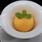 せいぶ農産発 焼肉DINING まるぎゅう - オレンジシャーベット