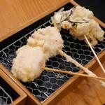 日本酒バル 富士屋 - モッツァレラの生ハム巻き、茄子の肉巻きチーズ天ぷら
