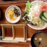 るーらる - ●和風ステーキ定食 1450円:小鉢等●