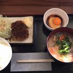 白鳥パーキングエリア(上り線) フードコート・スナックコーナー - 豚汁定食 ¥700- (2020/12/07)