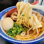 中華そば JAC - 豪快に麺リフト!