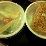 東蘭 - テイクアウトの海鮮あんかけ焼きそば¥950