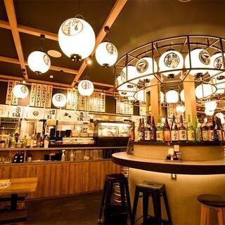 秋葉原のレトロ感溢れる大衆系居酒屋は酔っ手羽で決まり!
