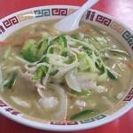 大連 - 野菜がいっぱい入った麺(家庭面)