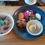 cafe ナナクリ - メインとご飯(お粥)
