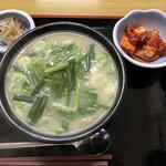 韓国家庭料理 ソナム - コムタン定食  体に良さそう