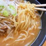 東座 - 麺アップ