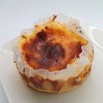 イヌイ - 料理写真:「バスクチーズケーキ」①