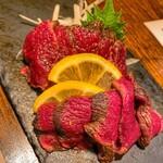 わらやき屋 - 馬ひれ肉の藁焼き