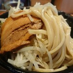 ラーメン燈郎 - 綺麗な麺筋