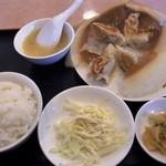 欽ちゃん餃子楼 - 餃子定食