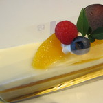 14232026 - オレンジとホワイトチョコレートのケーキ