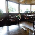 ワールドコーヒー - 「ワールドコーヒー」テーブル席