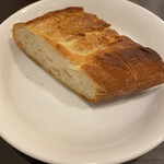 Bisutoroishikawatei - お替わりできるパンですが、パン好きの私が             2切れでいいと思うお味。