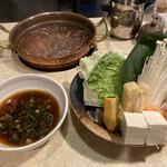 しゃぶ亭 - 最初に供される野菜他とポン酢、薬味