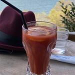 シャーレ水ヶ浜 - 冬の朝、テラスで飲むトマトジュース! ハードボイルドであるw