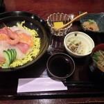 14233504 - 海鮮丼900円