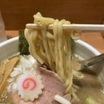 142338069 - 好きがよく絡む平打ちっぽい麺