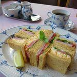 ティーサロン・コペン - 2012年8月ハムと卵のサンドイッチ