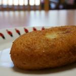 ミート&デリカ旭屋 - 料理写真:神戸牛と播州野菜のカレーパン(230円)
