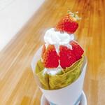 茶願寿cafe - イチゴクレープこれからの時期にオススメです。