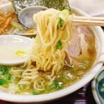 142342767 - 魚醤ラーメン細麺