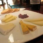 アールエム - チーズの盛り合せ 1,600円