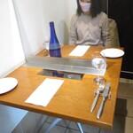 クチーナイタリアーナ ハル - テーブル席
