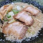 麺や 髭おやじ - 料理写真:ラーメン(こってり系)+トッピングで海苔