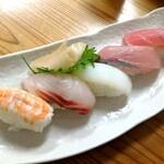142365018 - 寿司