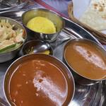 スパイスマジックインディアンレストラン - 料理写真:2種類のカレーセット