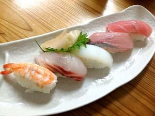 小さな和風レストラン 笑福 - 寿司