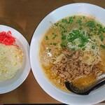 さすけ - 料理写真:担々麺&ミニチャーハン