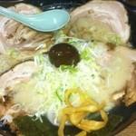14237003 - これは、チャーシュー麺です!ダブルじゃないよ!たまたま辛くないのが食べたかったのです!