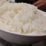串特急 虎壱横丁 - ご飯はどんぶりにてんこ盛り